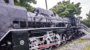 D51 222 steam locomotive larger side view