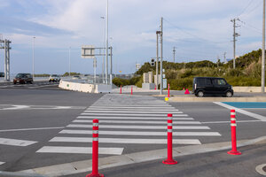 Crosswalk to head towards Satohama Beach