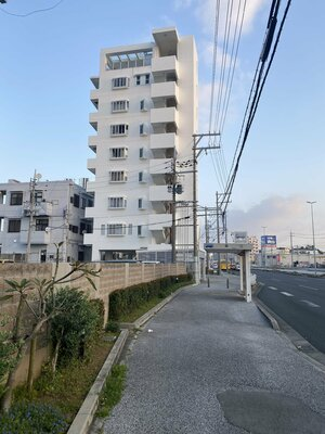 TMH Okinawa is located on 3rd floor of Hawk Town II right along Route 58 nearest to Kuwae bus stop.
